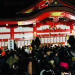 深夜の日枝神社すごい人